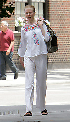 Exclusive. American-born Australian actress Nicole Kidman leaving Equinox fitness club after a hour of workout in The West Village in New York, NY on July 9, 2009. Photo by Charles Guerin/ABACAPRESS.COM    194836_001 New York