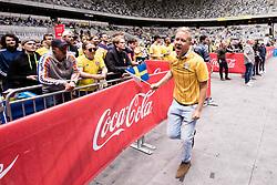 June 18, 2018 - Stockholm, SVERIGE - 180618 Fans pÃ¥ Tele2 Arena jublar efter 1-0 av Sverige under gruppspelsmatchen i fotbolls-VM mellan Sverige och Sydkorea den 18 Juni 2018 i Stockholm. (Credit Image: © Kenta JöNsson/Bildbyran via ZUMA Press)