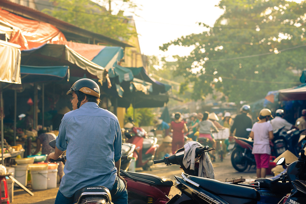 Early morning at Hoi An central market