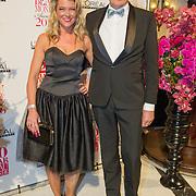 NLD/Amsterdam/20160118 -  Beau Monde Awards 2016, Sandra Ysbrandy en partner