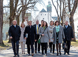 22.03.2018, Congress, Innsbruck, AUT, Gemeinsame PK Tiroler Grüne und Tiroler ÖVP, Regierungsprogramm 2018 bis 2023, im Bild LR Johannes Tratter (ÖVP), LR Gabi Fischer (DIE GRÜNEN), LH Stv. Josef Geisler (ÖVP), LH Stv. Ingrid Felipe (DIE GRÜNEN), LH Günther Platter (ÖVP), LR Patrizia Zoller-Frischauf (ÖVP), LR Beate Palfrader (ÖVP), LR Bernhard Tilg (ÖVP) // LR Johannes Tratter (ÖVP) LR Gabi Fischer (DIE GRÜNEN) LH Stv. Josef Geisler (ÖVP) LH Stv. Ingrid Felipe (DIE GRÜNEN) LH Günther Platter (ÖVP) LR Patrizia Zoller-Frischauf (ÖVP) LR Beate Palfrader (ÖVP) LR Bernhard Tilg (ÖVP) during a press conference of the Tyrolean Greens and the Tyrolean OeVP at the Congress in Innsbruck, Austria on 2018/03/22. EXPA Pictures © 2018, PhotoCredit: EXPA/ Johann Groder