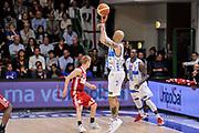 DESCRIZIONE : Campionato 2014/15 Dinamo Banco di Sardegna Sassari - Openjobmetis Varese<br /> GIOCATORE : David Logan<br /> CATEGORIA : Tiro Tre Punti Three Points Controcampo<br /> SQUADRA : Dinamo Banco di Sardegna Sassari<br /> EVENTO : LegaBasket Serie A Beko 2014/2015<br /> GARA : Dinamo Banco di Sardegna Sassari - Openjobmetis Varese<br /> DATA : 19/04/2015<br /> SPORT : Pallacanestro <br /> AUTORE : Agenzia Ciamillo-Castoria/L.Canu<br /> Predefinita :