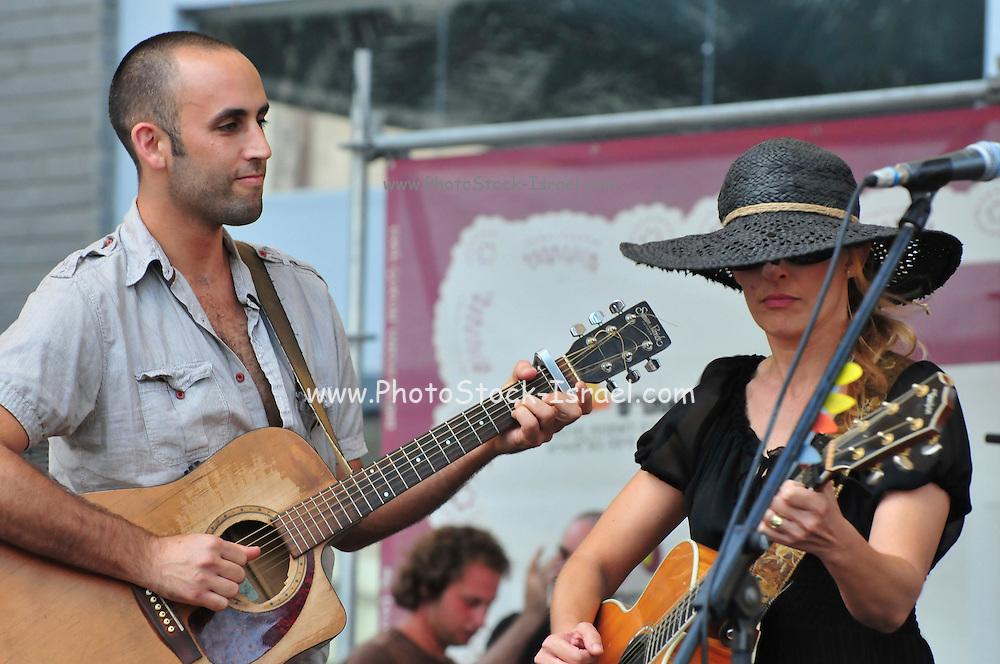 Israel, Haifa, Itay Pearl and Dana Berger in an outdoor concert