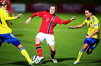 Fotball , 30. oktober 2013 , Privat kamp kvinner U23 , Norge- Sverige<br /> U23 Norway - Sweden<br /> Cecilie Brattland Liane , Norge