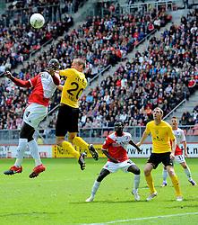 16-05-2010 VOETBAL: FC UTRECHT - RODA JC: UTRECHT<br /> FC Utrecht verslaat Roda in de finale van de Play-offs met 4-1 en gaat Europa in / Jacob Mulenga en Jan Paul Saeijs<br /> ©2010-WWW.FOTOHOOGENDOORN.NL