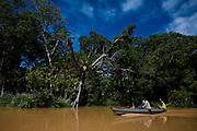 Belmonte_BA, Brasil...Foz do Rio Jequitinhonha. Na foto o passeio de barco entre Belmonte e Canavieiras, Bahia...The mouth of the Jequitinhonha River. In this photo the boat navigating between Belmonte and Canavieiras, Bahia...Foto: LEO DRUMOND / NITRO