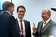 Koning en koningin bezoeken Nedersaksen. In het duitse Werlte krijgt het konuingspaar een rondleiding door het AUDI 3N Kompetenzzentrum<br /> <br /> King and Queen visit Niedersachsen. In the German Werlte the royal couple get a tour of the AUDI 3N Kompetenzzentrum<br /> <br /> Op de foto / On the photo: <br />  Koning Willem-Alexander met Peter F. Tropschuh, topman bij Audi AG en Hermann Pengg en Koningin Maxima<br /> <br /> <br /> King Willem-Alexander and Peter F. Tropschuh, chief executive of Audi AG and Hermann Pengg and Queen Maxima