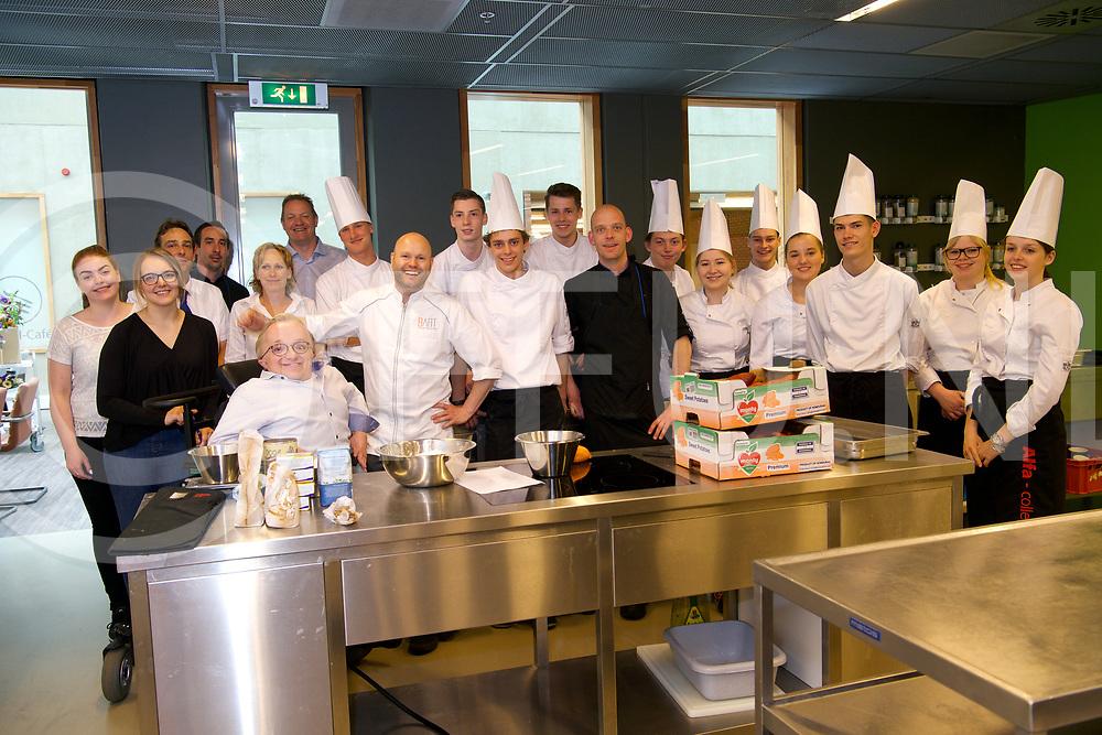 HARDENBERG - Benefiet diner.<br /> Foto: Rick Brink (l) en Bart van Berkel.<br /> FFU PRESS AGENCY COPYRIGHT FRANK UIJLENBROEK