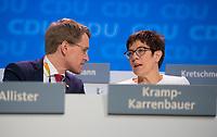 DEU, Deutschland, Germany, Berlin,26.02.2018: Schleswig-Holsteins Ministerpräsident Daniel Günther (CDU) und die heute neu gewählte CDU-Generalsekretärin Annegret Kramp-Karrenbauer (CDU) beim Parteitag der CDU in der Station. Die Delegierten stimmten mit großer Mehrheit für die Neuauflage der Großen Koalition (GroKo).