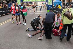 Mo Farah passes out at finish line