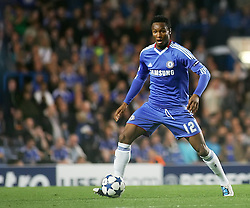 28.09.2010, Stamford Bridge, London, ENG, UEFA Champions League, Chelsea vs Olympique Marseille, im Bild Chelsea's Nigerian footballer John Mikel Obi on action against Marseille. EXPA Pictures © 2010, PhotoCredit: EXPA/ IPS/ Mark Greenwood +++++ ATTENTION - OUT OF ENGLAND/UK +++++