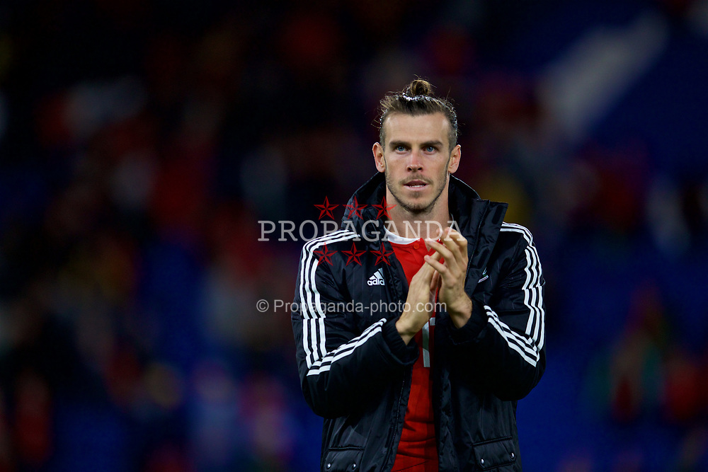CARDIFF, WALES - Thursday, September 6, 2018: Wales' Gareth Bale applauds the supporters after during the UEFA Nations League Group Stage League B Group 4 match between Wales and Republic of Ireland at the Cardiff City Stadium. Wales won 4-1. (Pic by David Rawcliffe/Propaganda)