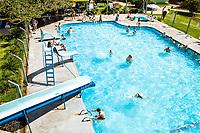 Piscina nas Termas São João. São João do Oeste, Santa Catarina, Brasil. / Swimming pool at Termas Sao Joao. Sao Joao do Oeste, Santa Catarina, Brazil.