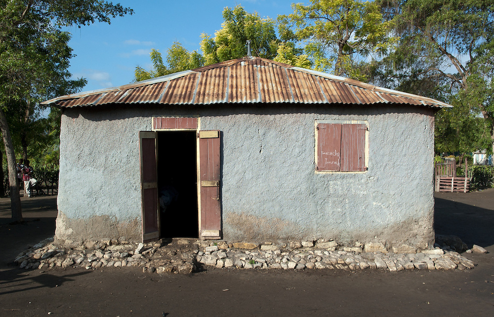 Private dwelling in the region of Souvenance, Haiti. January 23, 2008.