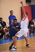 DESCRIZIONE : Varallo Torneo di Varallo Lega A 2011-12 Cimberio Varese Novipiu Casale Monferrato<br /> GIOCATORE : Garrett Temple<br /> CATEGORIA : Palleggio<br /> SQUADRA : Novipiu Casale Monferrato<br /> EVENTO : Campionato Lega A 2011-2012<br /> GARA : Cimberio Varese Novipiu Casale Monferrato<br /> DATA : 11/09/2011<br /> SPORT : Pallacanestro<br /> AUTORE : Agenzia Ciamillo-Castoria/A.Dealberto<br /> Galleria : Lega Basket A 2011-2012<br /> Fotonotizia : Varallo Torneo di Varallo Lega A 2011-12 Cimberio Varese Novipiu Casale Monferrato<br /> Predefinita :