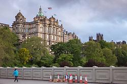 THEMENBILD - das Museum on the Mound mit der britischen und Schottischen Flagge, Edinburgh, Schottland, aufgenommen am 06. Juni 2015 // the Museum on the Mound with British and Scottish Flag, Edinburgh, Scotland on 2015/06/06. EXPA Pictures © 2015, PhotoCredit: EXPA/ JFK