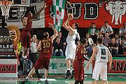 DESCRIZIONE : Treviso Lega A 2011-12 Umana Venezia Benetton Basket Treviso <br /> GIOCATORE : benjamin ortner<br /> CATEGORIA :  tiro controcampo<br /> SQUADRA : Umana Venezia Benetton Basket Treviso <br /> EVENTO : Campionato Lega A 2011-2012<br /> GARA : Umana Venezia Benetton Basket Treviso <br /> DATA : 28/04/2012<br /> SPORT : Pallacanestro<br /> AUTORE : Agenzia Ciamillo-Castoria/M.Gregolin<br /> Galleria : Lega Basket A 2011-2012<br /> Fotonotizia :  Treviso Lega A 2011-12 Umana Venezia Benetton Basket Treviso <br /> Predefinita :