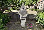 Nederland, Arnhem, 22-5-2014Klien oorlogsmonument in de wijk Heijenoord ter nagedachtenis aan de luchtlanding ihkv operatie Market Garden in de tweede wereldoorlog.Foto: Flip Franssen/Hollandse Hoogte