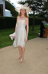 POLLY CUSSEN at the 4th day of the 2005 Glorious Goodwood horseracing festival at Goodwood Racecourse, West Sussex on 29th July 2005.    <br /><br />NON EXCLUSIVE - WORLD RIGHTS