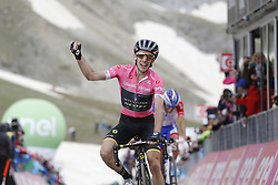 May 13, 2018 - Gran Sass D'Italia, ITALY - Britain's Simon Yates of Mitchelton - Scott celebrates at the stage 9 of the 101st edition of the Giro D'Italia cycling tour, 225km from Pesco Sannita to Gran Sasso d'Italia, Italy, Sunday 13 May 2018...BELGA PHOTO YUZURU SUNADA FRANCE OUT (Credit Image: © Yuzuru Sunada/Belga via ZUMA Press)
