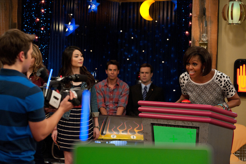 Michelle Obama, Miranda Cosgrove, Jerry Trainor, and Taran Killam  in iCarly