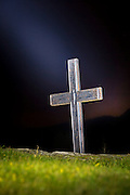 Cross in straylight, lighted with torch. Herøy Gard, Norway   Kors i strølys, opplyst med lommelykt. Herøy Gard, Norge.