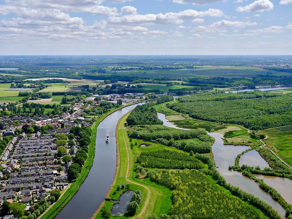 Nederland, Brabant,gemeente Breda, 14-05-2020; Hagebeemd, tussen Breda Noord-west en Terheijden, zicht op rivier de Mark.<br /> Hagebeemd, between Breda North-west and Terheijden, view of the river Mark.<br /> <br /> luchtfoto (toeslag op standard tarieven);<br /> aerial photo (additional fee required);<br /> copyright foto/photo Siebe Swart