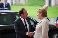 DEU, Deutschland, Germany, Berlin, 15.05.2012:<br />Bundeskanzlerin Angela Merkel (CDU) begrüßt den französischen Präsidenten Francois Hollande vor dem Bundeskanzleramt.