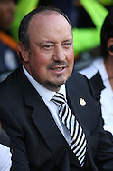 Rafa Benitez, the Newcastle United manager looks on from the dugout. Skybet EFL championship match, Fulham v Newcastle Utd at Craven Cottage in Fulham, London on Friday 5th August 2016.<br /> pic by John Patrick Fletcher, Andrew Orchard sports photography.