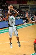 DESCRIZIONE : Siena Lega A 2008-09 Playoff Finale Gara 2 Montepaschi Siena Armani Jeans Milano<br /> GIOCATORE : Terrell Mc Intyre<br /> SQUADRA : Montepaschi Siena <br /> EVENTO : Campionato Lega A 2008-2009 <br /> GARA : Montepaschi Siena Armani Jeans Milano<br /> DATA : 12/06/2009<br /> CATEGORIA : tiro <br /> SPORT : Pallacanestro <br /> AUTORE : Agenzia Ciamillo-Castoria/G.Ciamillo