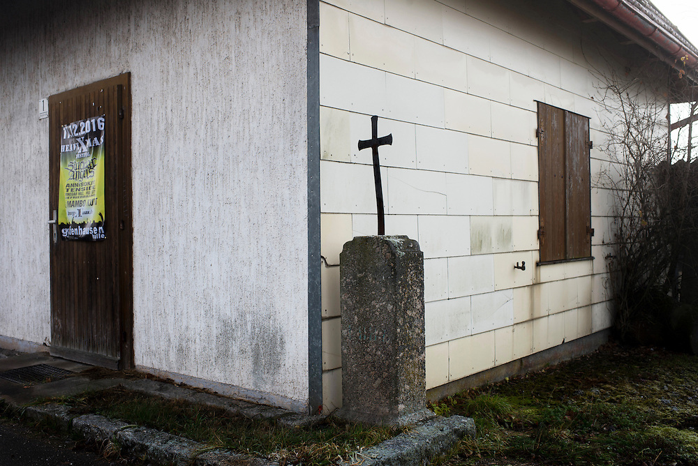 15.12.2016; Goerwihl (D); Kreuz an der Hauptstrasse in Goerwihl<br /> (Steffen Schmidt)