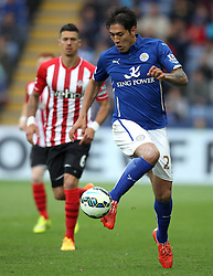 Leicester City's Leonardo Ulloa controls the ball - Photo mandatory by-line: Robbie Stephenson/JMP - Mobile: 07966 386802 - 09/05/2015 - SPORT - Football - Leicester - King Power Stadium - Leicester City v Southampton - Barclays Premier League
