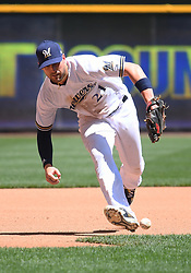 June 13, 2018 - Milwaukee, WI, U.S. - MILWAUKEE, WI - JUNE 13: Milwaukee Brewers Third base Travis Shaw (21) fields a ground ball during a MLB game between the Milwaukee Brewers and Chicago Cubs on June 13, 2018 at Miller Park in Milwaukee, WI. The Brewers defeated the Cubs 1-0.(Photo by Nick Wosika/Icon Sportswire) (Credit Image: © Nick Wosika/Icon SMI via ZUMA Press)