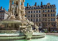 Fontaine des Jacobins, detail
