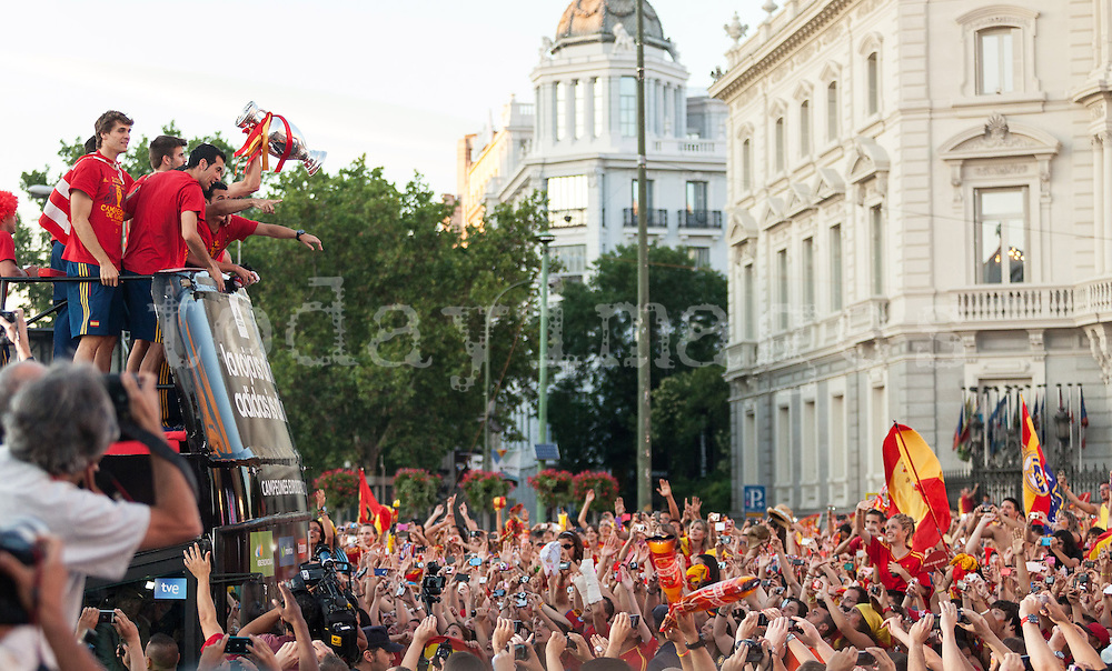 Spain's Euro 2012 championship soccer team arrives to Madrid