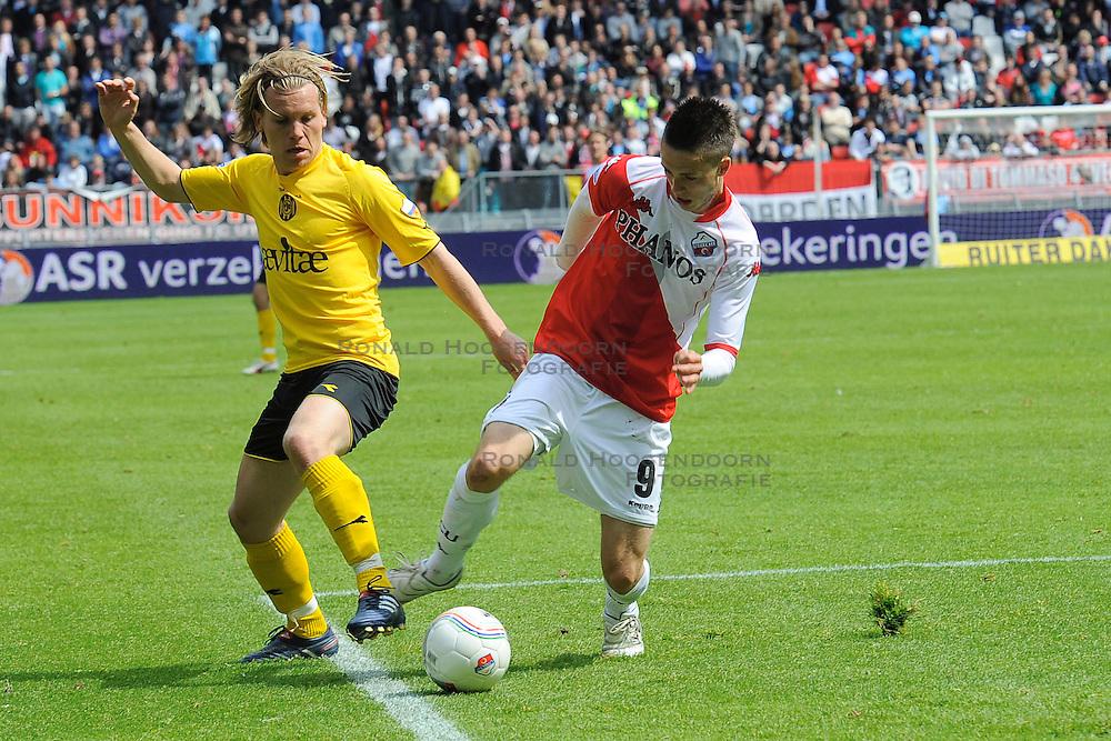 16-05-2010 VOETBAL: FC UTRECHT - RODA JC: UTRECHT<br /> FC Utrecht verslaat Roda in de finale van de Play-offs met 4-1 en gaat Europa in / Ricky van Wolfswinkel en Ruud Vormer<br /> ©2010-WWW.FOTOHOOGENDOORN.NL