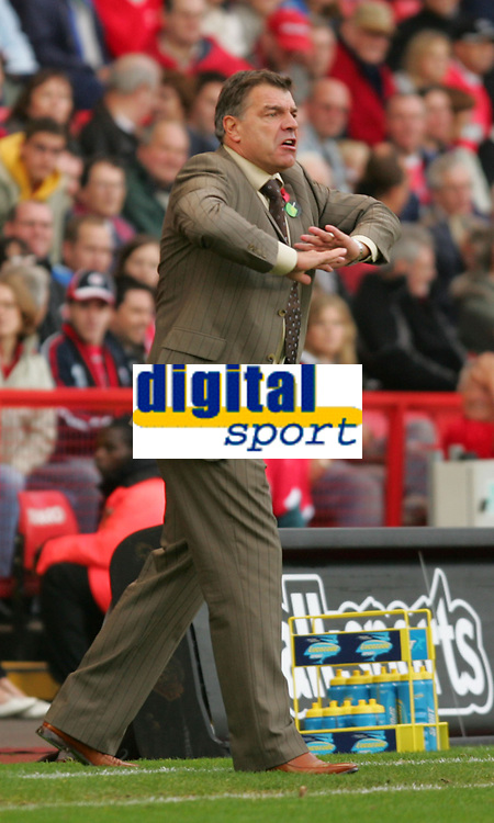 Photo: Frances Leader.<br />Charlton Athletic v Bolton Wanderers. The Barclays Premiership. 29/10/2005.<br /><br />Bolton's manager Sam Allardyce.