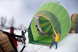 11.02.2015, Zell am See - Kaprun, AUT, BalloonAlps, im Bild Startvorbereitung, der Ballon wird beheizt // BalloonAlps, The Alps Crossing Event balloonalps is Austria's international Winter balloon week in front of the backdrop of the Hohe Tauern, Zell am See Kaprun on 2015/02/11, . EXPA Pictures © 2014, PhotoCredit: EXPA/ JFK