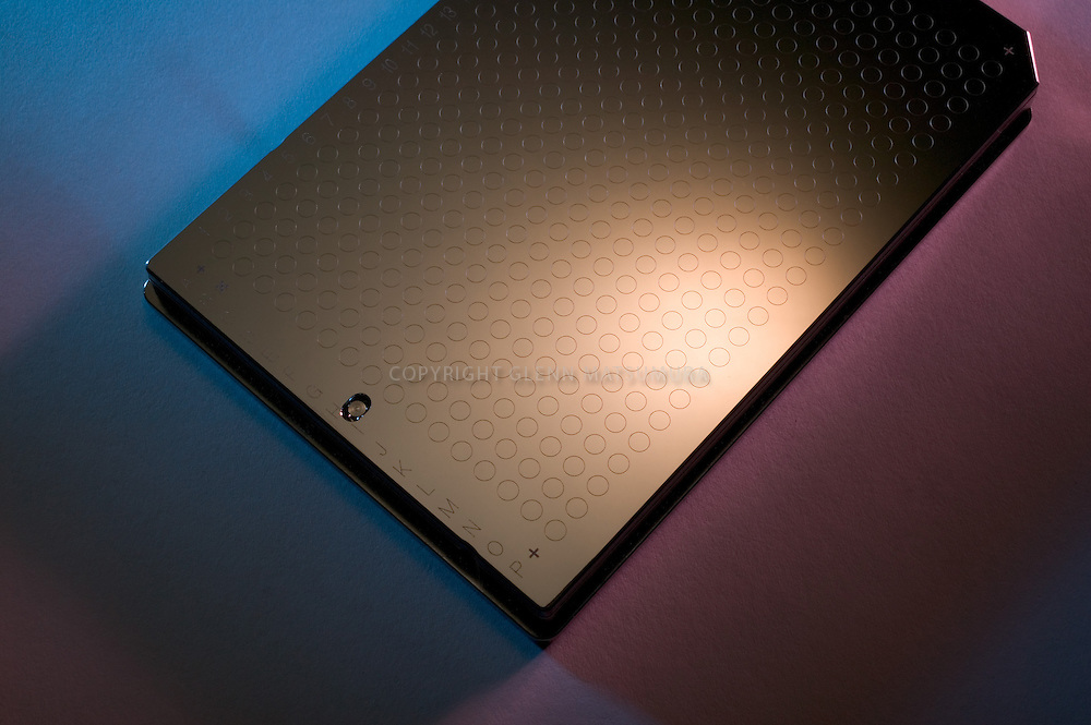 DNA sequencing plate