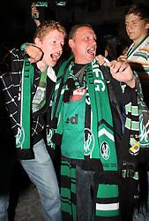 29.05.2011, Ried im Innkreis, AUT, OeFB Samsung Cup, Siegesfeier SV Josko Ried, im Bild Fans von SV Ried, EXPA Pictures © 2011, PhotoCredit: EXPA/ R. Hackl
