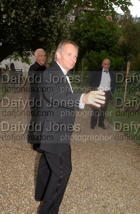 Lord Archer, Some Enchanted evening, in aid of the Galapagos conservation society.  Chelsea Physic Garden, 17 June 2004. ONE TIME USE ONLY - DO NOT ARCHIVE  © Copyright Photograph by Dafydd Jones 66 Stockwell Park Rd. London SW9 0DA Tel 020 7733 0108 www.dafjones.com
