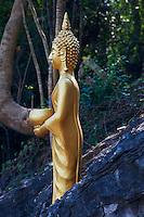 Laos, Province de Luang Prabang, ville de Luang Prabang, Patrimoine mondial de l'UNESCO depuis 1995, Phu Si Hill, Statue de Bouddha // Laos, Province of Luang Prabang, city of Luang Prabang, World heritage of UNESCO since 1995, Phu Si Hill, Statue of Bouddha