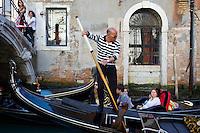 Italie, Venetie, Venise, Gondolier // Italy, Veneto, Venise, Gondola