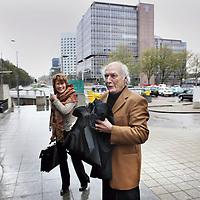 Nederland, Amsterdam , 1 november 2013.<br /> Peter Koelewijn arriveert bij de rechtbank aan de Parnassusweg i.v.m. een kort geding tegen schrijver A.F.Th. van der Heijden<br /> Foto:Jean-Pierre Jans