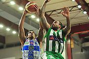 DESCRIZIONE : Campionato 2014/15 Dinamo Banco di Sardegna Sassari - Sidigas Scandone Avellino<br /> GIOCATORE : Edgar Sosa<br /> CATEGORIA : Tiro Penetrazione<br /> SQUADRA : Dinamo Banco di Sardegna Sassari<br /> EVENTO : LegaBasket Serie A Beko 2014/2015<br /> GARA : Dinamo Banco di Sardegna Sassari - Sidigas Scandone Avellino<br /> DATA : 24/11/2014<br /> SPORT : Pallacanestro <br /> AUTORE : Agenzia Ciamillo-Castoria / M.Turrini<br /> Galleria : LegaBasket Serie A Beko 2014/2015<br /> Fotonotizia : Campionato 2014/15 Dinamo Banco di Sardegna Sassari - Sidigas Scandone Avellino<br /> Predefinita :