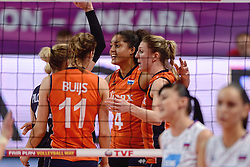 09-01-2016 TUR: European Olympic Qualification Tournament Rusland - Nederland, Ankara<br /> De Nederlandse volleybalsters hebben de finale van het olympisch kwalificatietoernooi tegen Rusland verloren. Oranje boog met 3-1 voor de Europees kampioen (25-21, 22-25, 25-19, 25-20) / Celeste Plak #4 viel goed in en bracht Rusland even aan het wankelen, Quinta Steenbergen #7