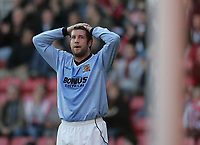 Photo: Lee Earle.<br /> Southampton v Hull City. Coca Cola Championship. 04/11/2006. Hull's Jon Parkin looks dejected after going close.