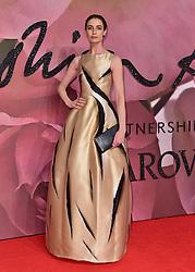 Erin O'Connor bei den Fashion Awards 2016 in der Royal Albert Hall in London / 051216<br /> <br /> ***Fashion Awards 2016 in London, Britain, Dec. 5th, 2016.***