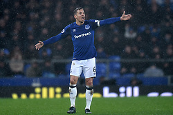 Everton's Phil Jagielka shouts instructions