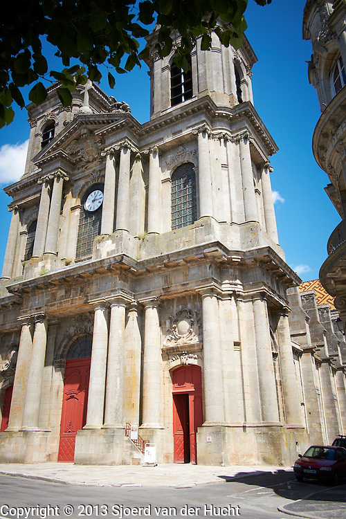 Kathedraal Saint-Mammes in Langres, Frankrijk - Cathedral Saint-Mammes in Langres, France